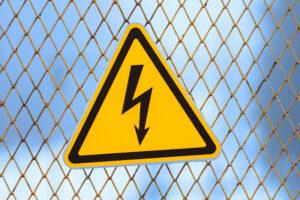 Panneau signalant un danger de sécurité électrique